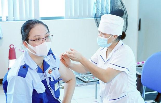 Hanoi flexibly maintains production amid COVID-19 hinh anh 2