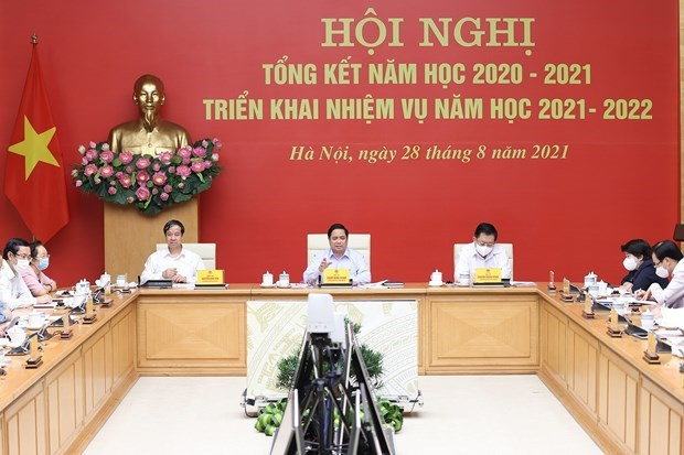 Students should be vaccinated against COVID-19 to return to school: PM hinh anh 1