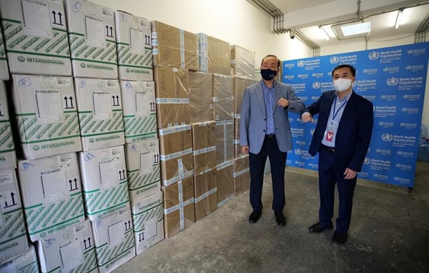 WHO presents medical supplies to support Vietnam's COVID-19 fight hinh anh 3