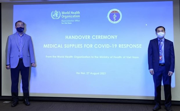 WHO presents medical supplies to support Vietnam's COVID-19 fight hinh anh 2