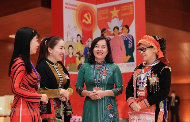 Hanoi promotes participation of women in all-level management positions hinh anh 1
