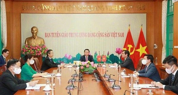 Vietnamese, Chinese Parties seek stronger cooperation in popularisation work hinh anh 1