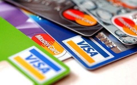 Vietnam Banks Association urges Visa, Mastercard to reduce fees hinh anh 1