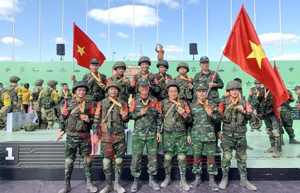 Vietnamese chemistry team performs well at 2021 Int'l Army Games hinh anh 1