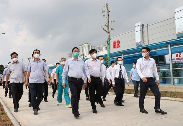 PM inspects COVID-19 prevention, control in Hanoi hinh anh 1