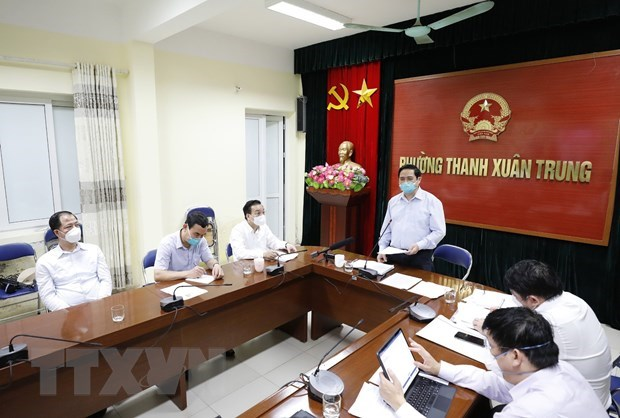 PM inspects COVID-19 prevention, control in Hanoi hinh anh 2