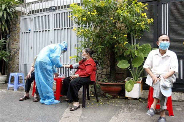 HCM City plans to vaccinate over 7.2 million adults this year hinh anh 1