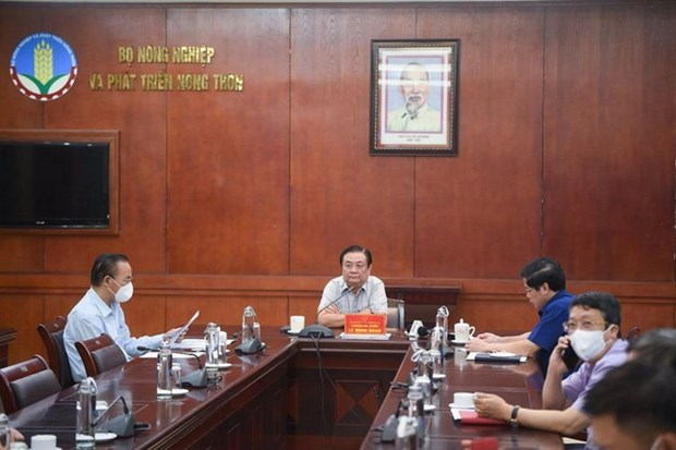 Forum connects agricultural production, consumption hinh anh 1