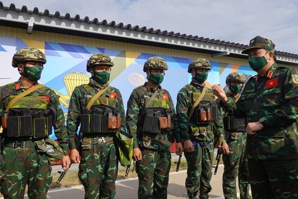 Int'l Army Games 2021: Russian officer lauds Vietnamese snipers' skills hinh anh 1