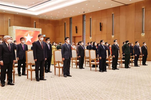 Vietnam puts people at centre of development: PM hinh anh 3