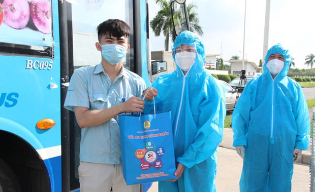 """PM welcomes youth union's """"one million welfare bags"""" programme hinh anh 1"""
