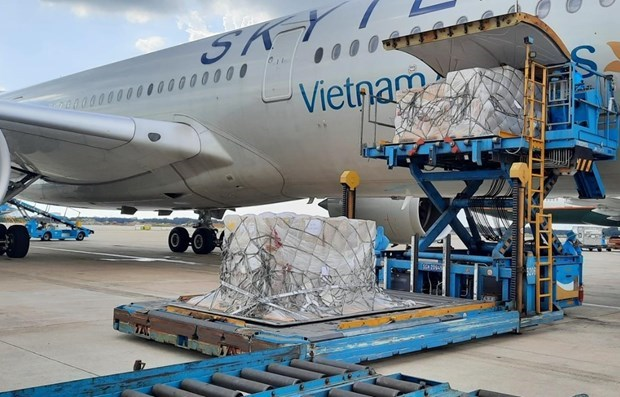 German-donated COVID-18 test kits arrive in Vietnam hinh anh 1