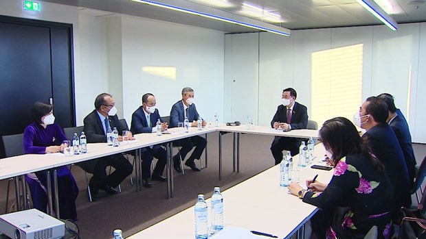 NA leader arrives in Austria for fifth World Conference of Speakers of Parliament hinh anh 2
