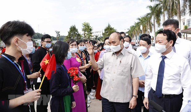 President attends new-school-year opening ceremony in Yen Bai province hinh anh 1