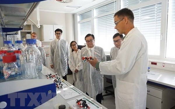 Vietnam keen on cooperating with Austrian university in life science research hinh anh 1