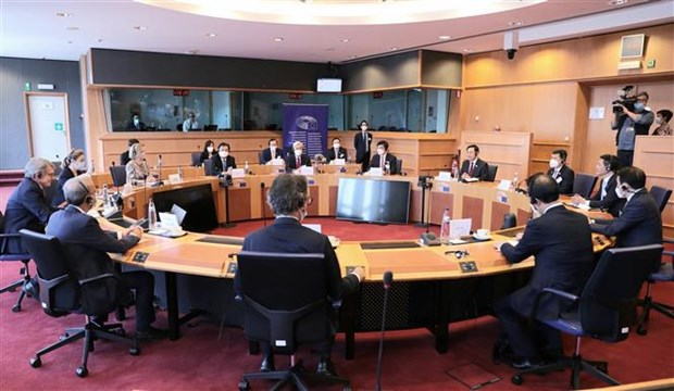 Top leaders of Vietnamese, European parliaments hold talks hinh anh 2