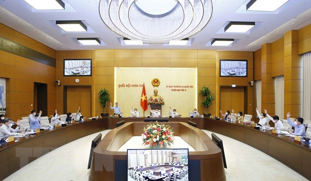 NA chairman signs resolution on allocation of regular State expenditure estimates for 2022 hinh anh 1