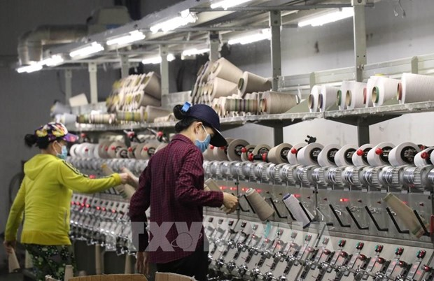 Foreign investors maintain confidence in Vietnam's economy hinh anh 1