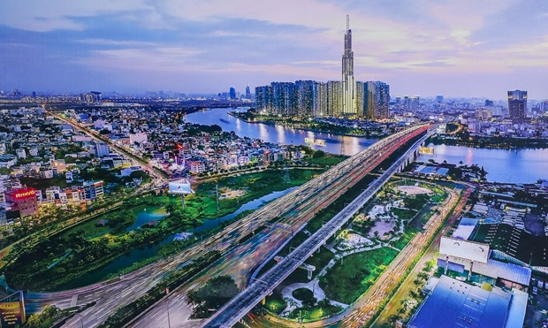 Vietnam's GDP growth may reach 3.5-4 percent in 2021 if pandemic well controlled in September hinh anh 1