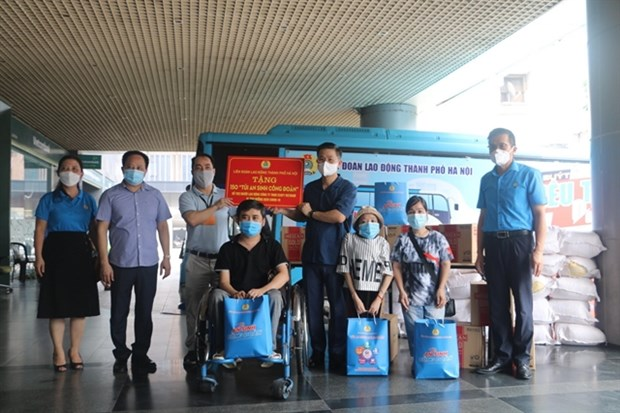 VGCL proposes to spend 3.9 billion USD to support COVID-19 affected labourers hinh anh 1