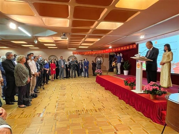 Embassy marks series of Vietnamese events in France hinh anh 1