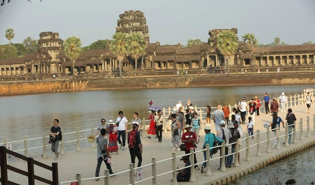 Cambodia considers reopening tourism for vaccinated foreign tourists hinh anh 1