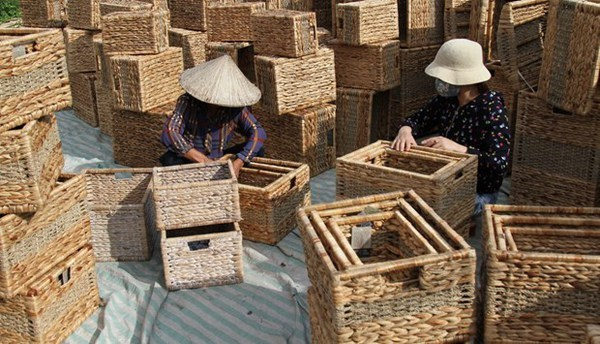 Craft villages in Hanoi resume production hinh anh 1