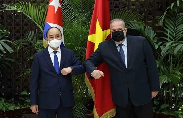 President Nguyen Xuan Phuc meets Cuban Prime Minister hinh anh 1