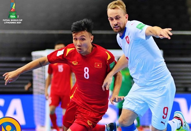 Vietnam advance to next round of 2021 Futsal World Cup hinh anh 1