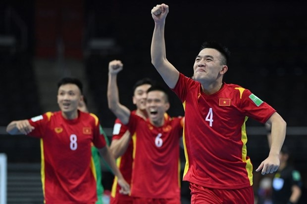 Vietnam advance to next round of 2021 Futsal World Cup hinh anh 3
