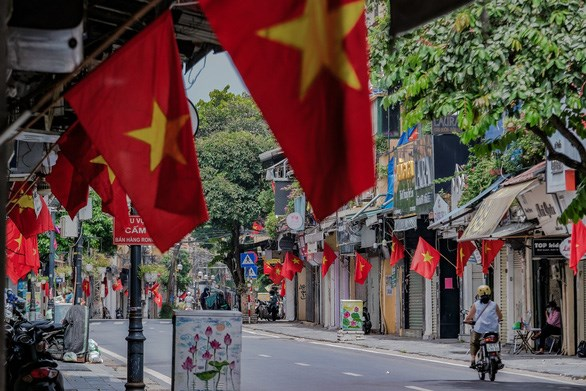 Hanoi allows resumption of some services from September 21 hinh anh 1