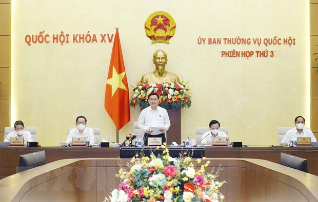 NA Standing Committee wraps up third session hinh anh 1