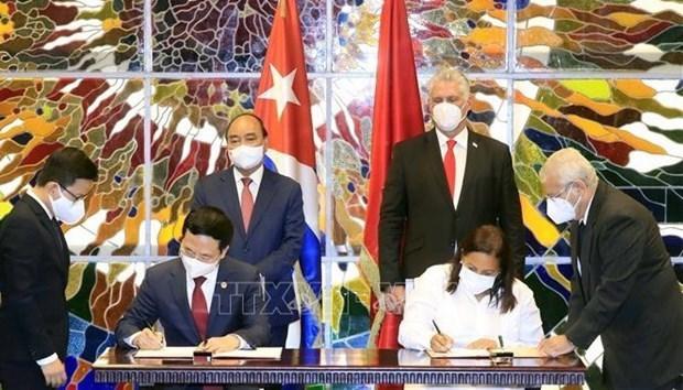 Cuban Ambassador: Cuba, Vietnam preserve historical memories hinh anh 3