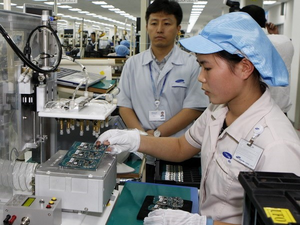 RoK firms pour 2.43 billion USD into Vietnam in eight months hinh anh 1