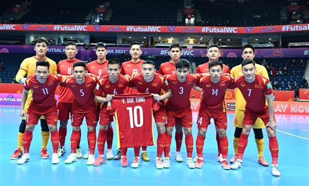 Vietnam loss to Russia in Futsal World Cup knock-out stage hinh anh 1