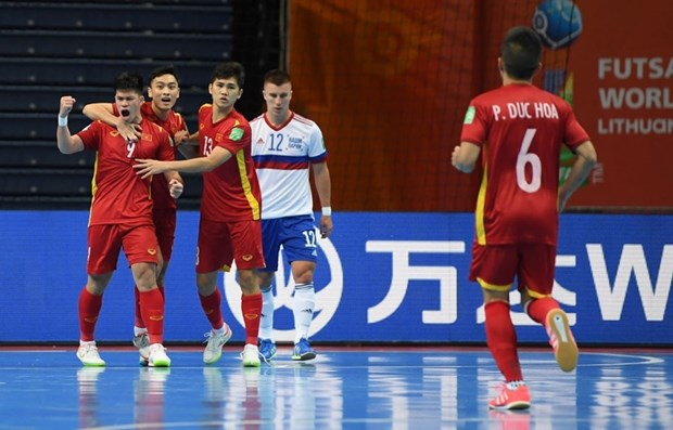 Vietnam loss to Russia in Futsal World Cup knock-out stage hinh anh 2
