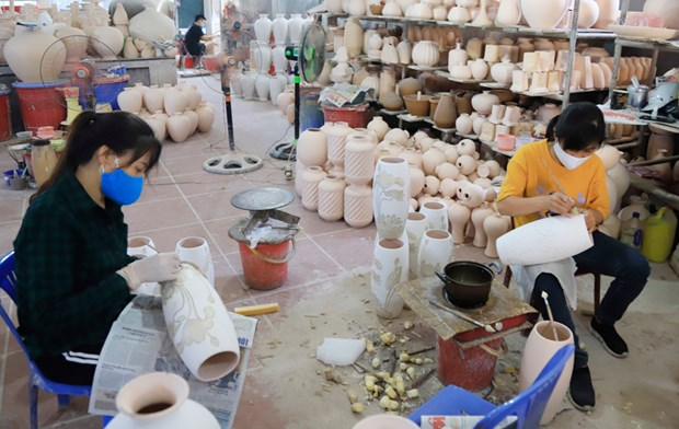 Hanoi tourism builds trademarks for local souvenirs hinh anh 1