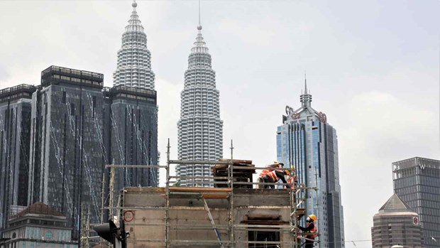 Malaysia aims to become high-income country by 2025 hinh anh 1