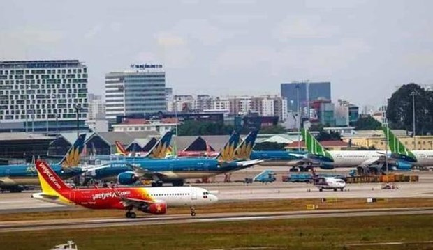 CAAV asks airlines to stop selling domestic tickets hinh anh 1