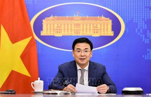 Official suggests synchronously rolling out policies towards OVs hinh anh 2
