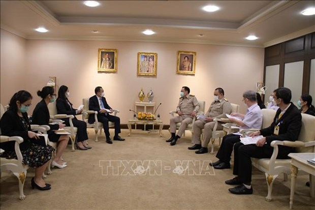 Vietnam, Thailand enhance collaboration in health amidst COVID-19 hinh anh 2