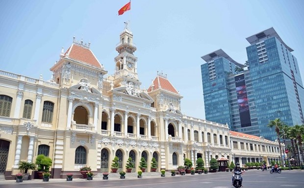 HCM City to gradually relax social distancing rules from 6:00pm on Sept 30 hinh anh 1