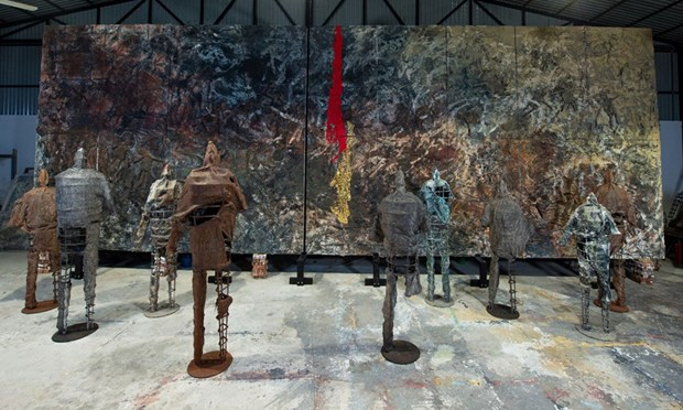 Vietnamese painter holds solo exhibition in Italy for first time hinh anh 2