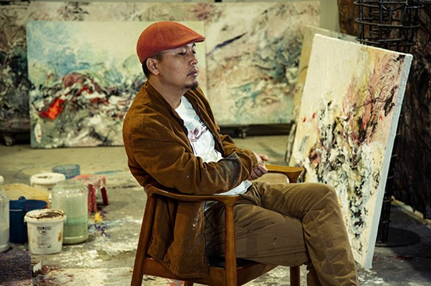 Vietnamese painter holds solo exhibition in Italy for first time hinh anh 1