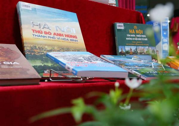 Various activities to celebrate Hanoi's 67th liberation anniversary hinh anh 2