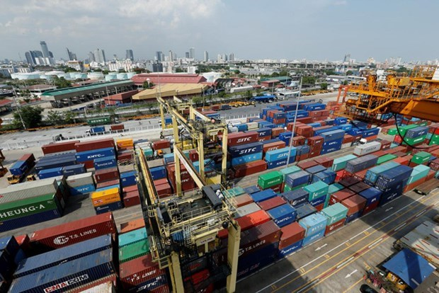 AMRO revises down ASEAN+3's growth to 6.1 percent hinh anh 1