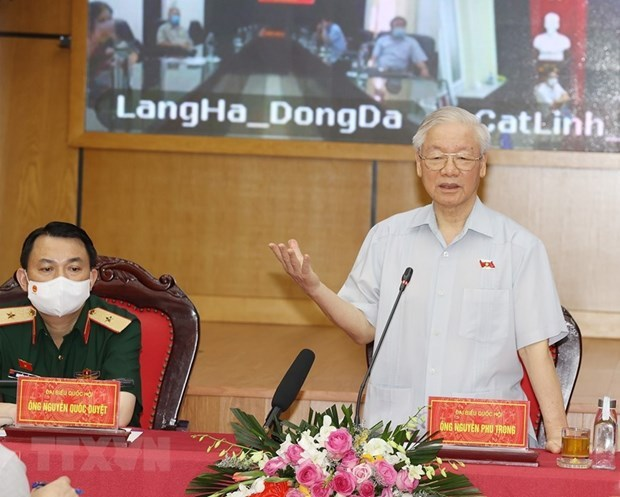 Party chief meets Hanoi voters ahead 15th NA's second session hinh anh 1