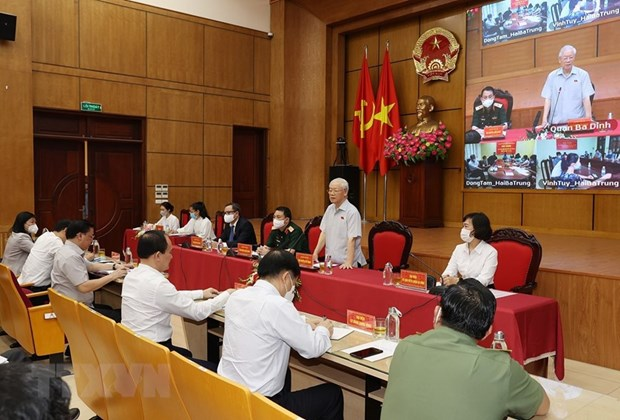Party chief meets Hanoi voters ahead 15th NA's second session hinh anh 2