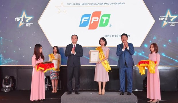 FPT Group wins big at Top 10 Vietnam ICT Companies awards hinh anh 1