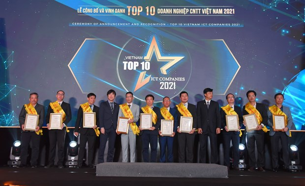 FPT Group wins big at Top 10 Vietnam ICT Companies awards hinh anh 2